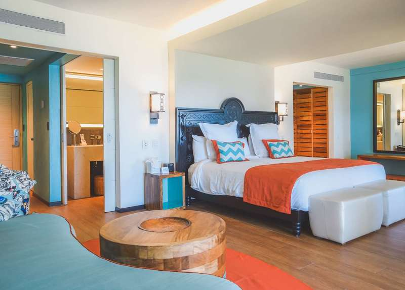 Large club med cancun suite 5 t 1