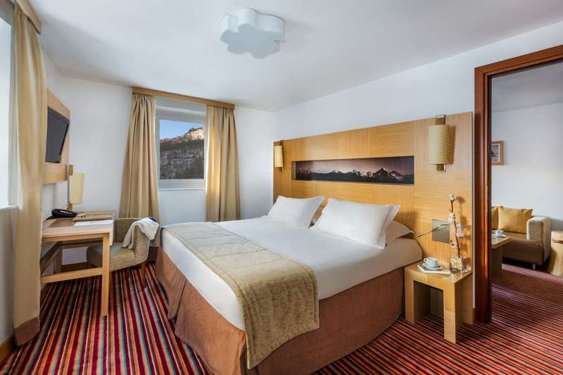 Large club med cervinia suite 2