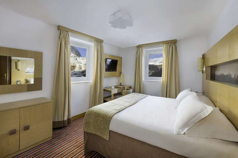 Large club med cervinia suite 3