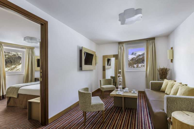 Large club med cervinia suite 4