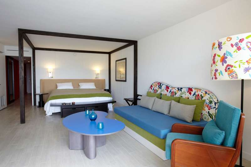 Large club med sandpiper bay deluxe 2