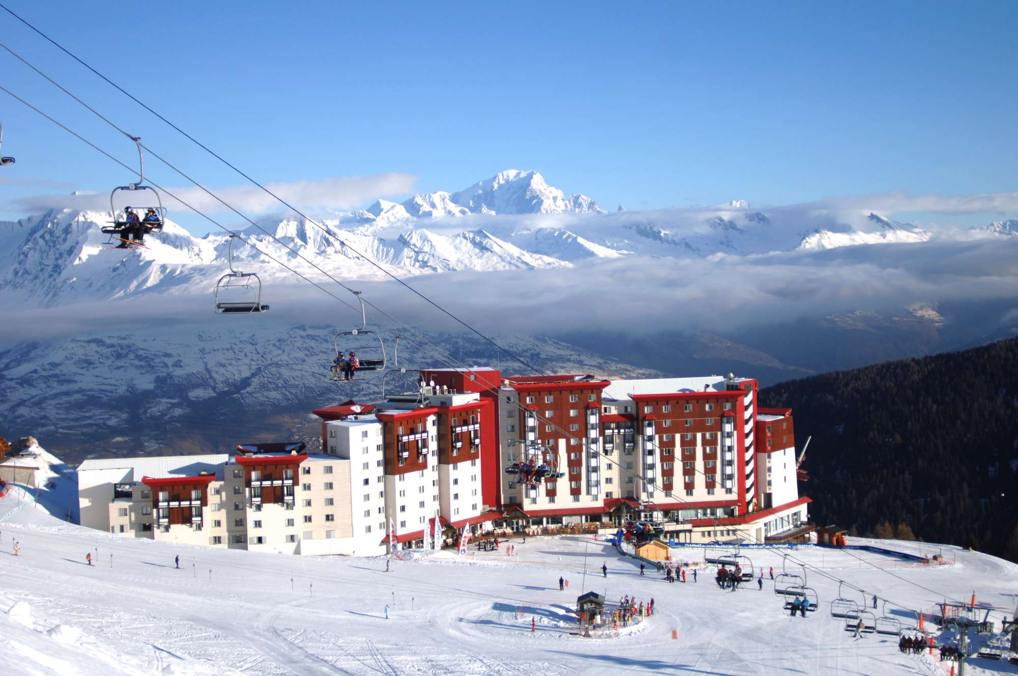 Https  ns.clubmed.com icp 1 media 01.villages 1.3montagne 1 plagne 2100 44 photos placa107086