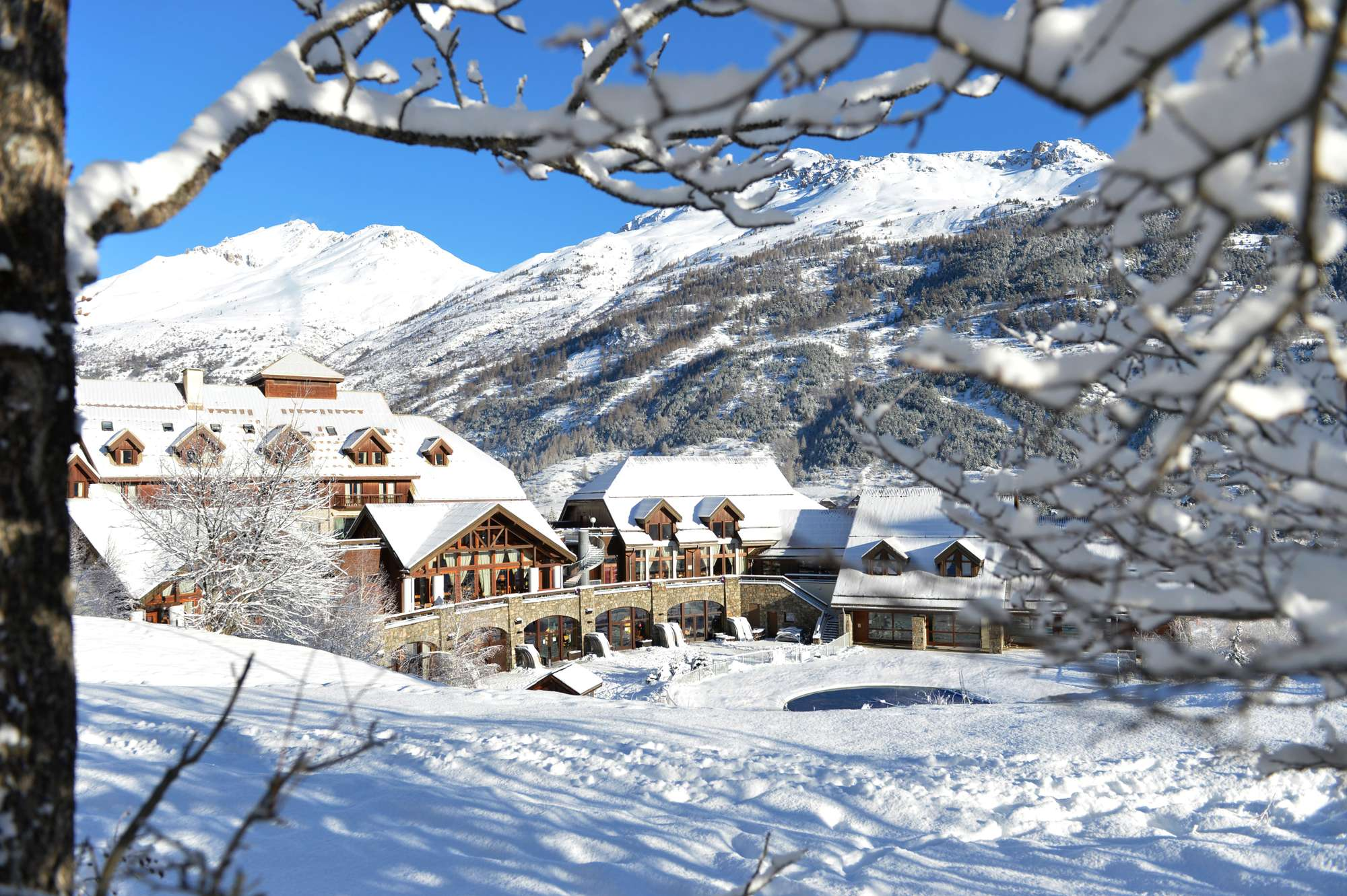 Https  ns.clubmed.com icp 1 media 01.villages 1.3montagne serre chevalier 86 photos schca114013